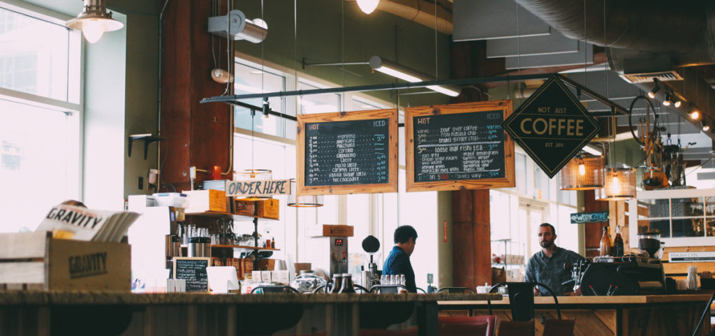スターバックスなどのコーヒーチェーンでのバイトは危険