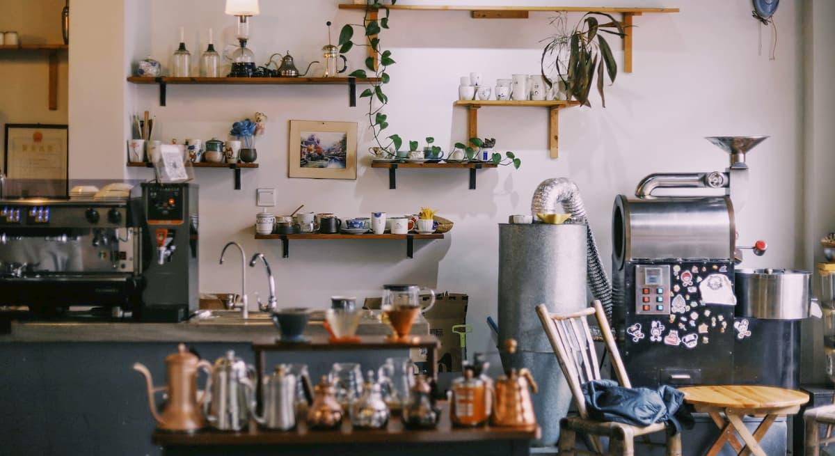 小さなカフェ(喫茶店)を開く最低資金は、100万で十分です