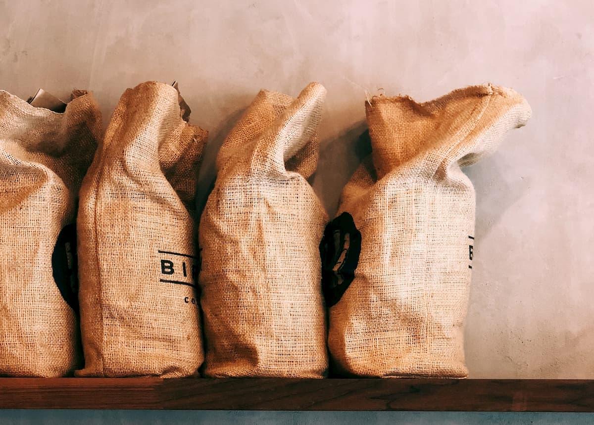 コーヒーの焙煎は儲かる?