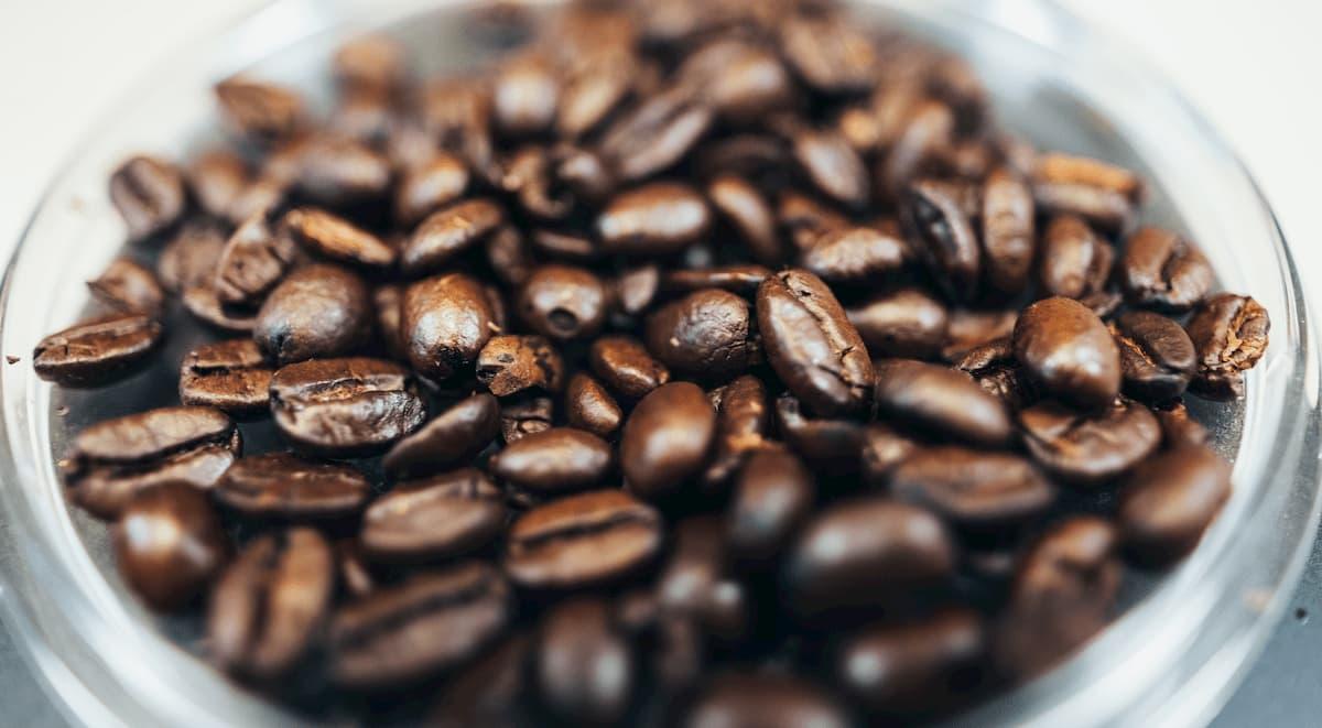 コーヒーは酸味の少ない豆を選ぶこと