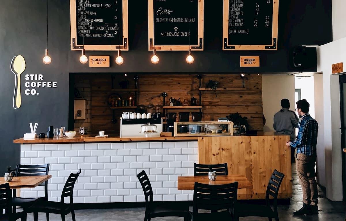 カフェ開業に潜むリスクとは