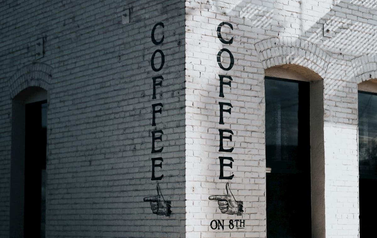 フリーターがカフェ開業するのは、十分可能どころか、有利