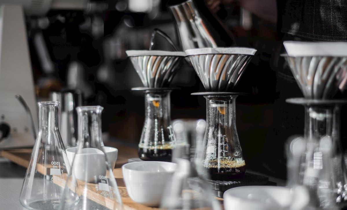 コーヒーの淹れ方・スイーツ作成の修行は必要?
