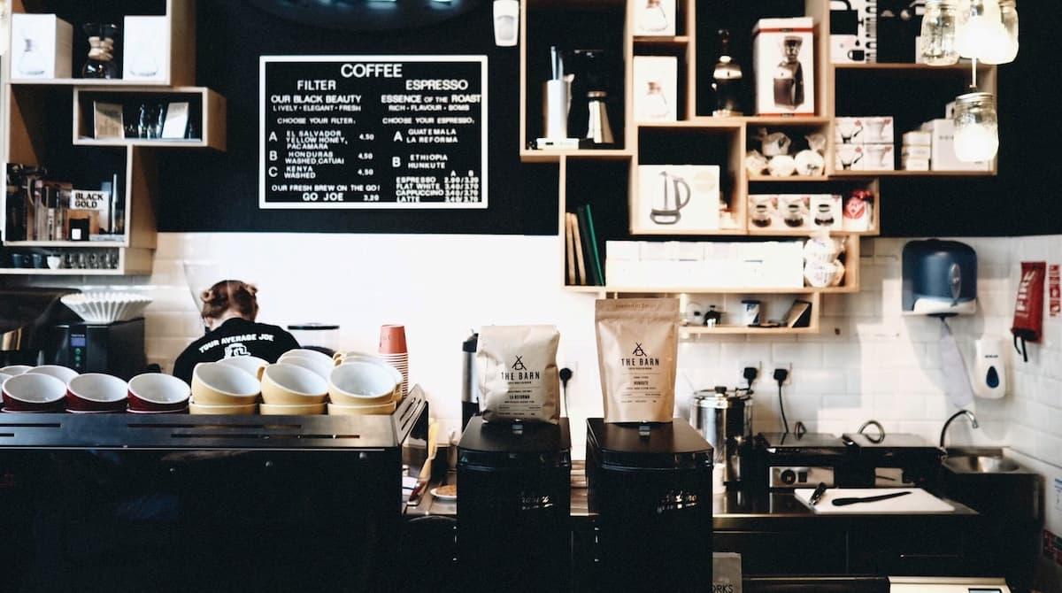 小さなカフェのテナントの探し方