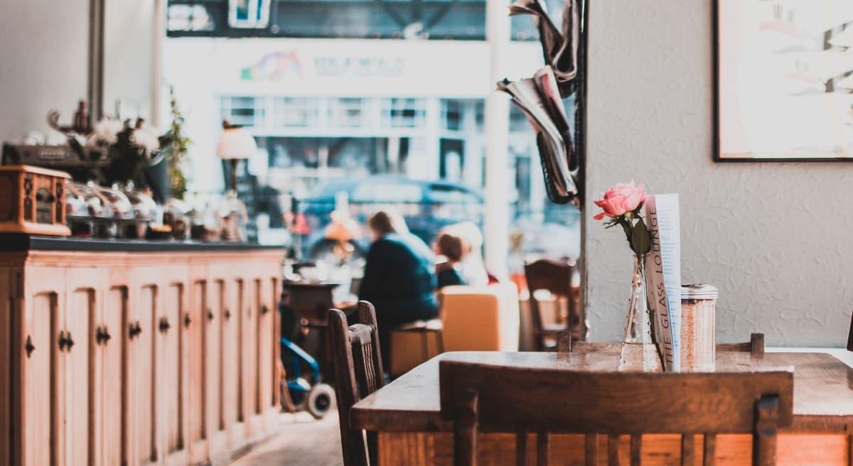カフェ経営に潜むリスクをなくすには?