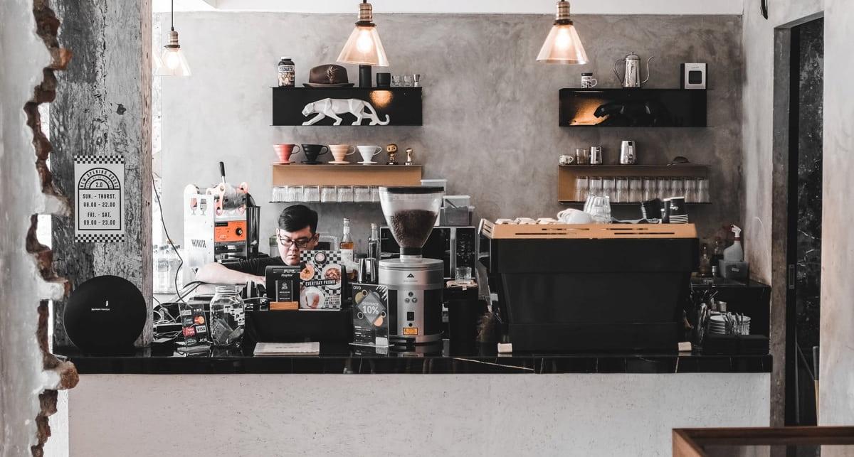 小さなカフェ経営の開業費用は?